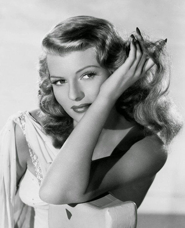 rita_hayworth_hands_nails_film_noir_actress