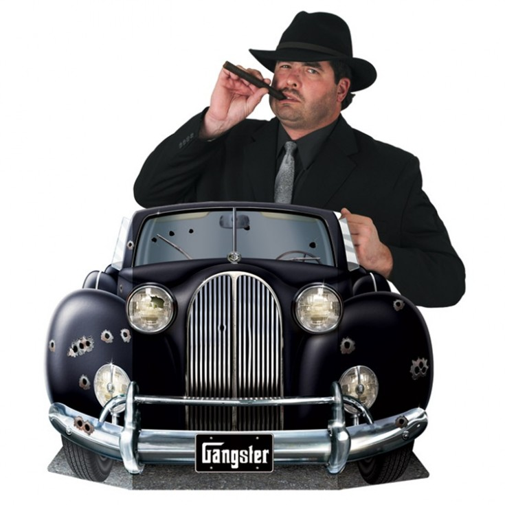 Vintage-Halloween-Costume-Idea-gangter-with-car