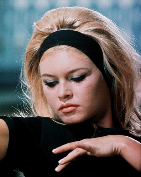 Brigitte Bardot Headband Hairstyle Vintage Christmas Hair Accessories Tutorial 3 Bobby Pin Blog Vintage Hair And Makeup Tips And Tutorials
