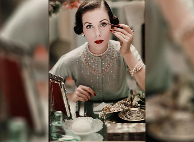 Vintage-makeup-oxblood-lipstick-eyeliner-pearls